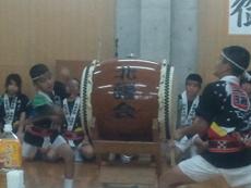 島の子供たちによる大東太鼓